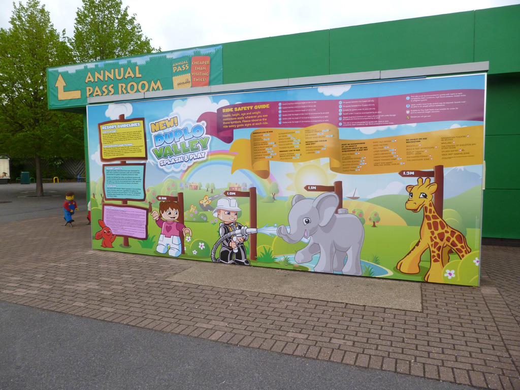 a colourful Duplo panel