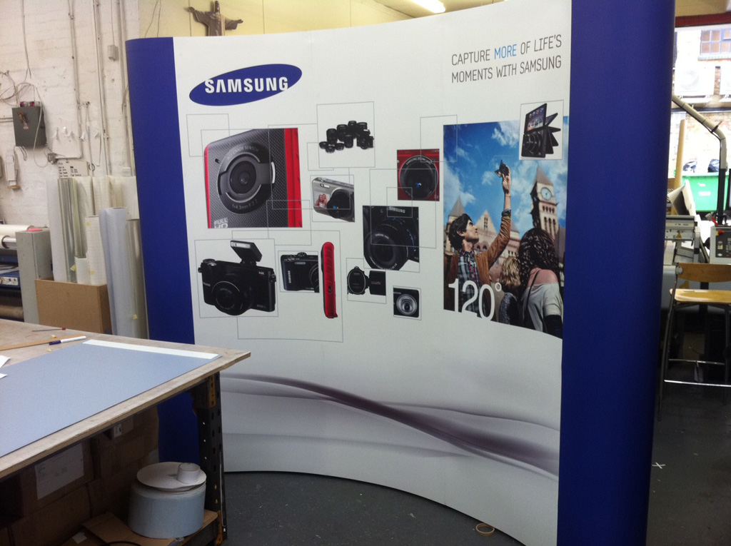a Samsung pop up banner